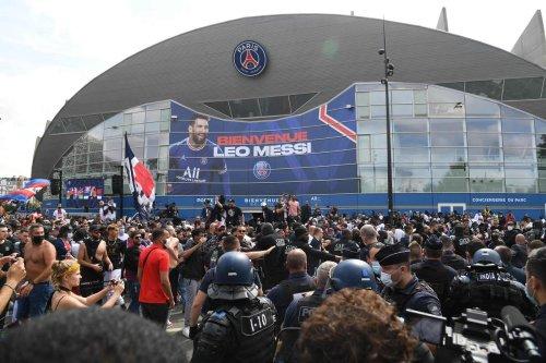 Football : le Paris SG annonce le retour de la chanson de Phil Collins au Parc
