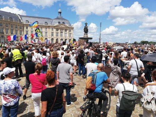 Bordeaux : la mobilisation des opposants au pass sanitaire ne faiblit pas