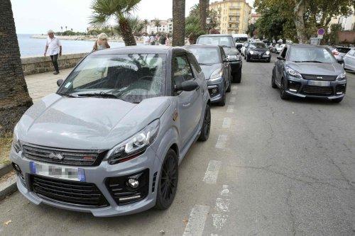 Une voiture sans permis pour aller au lycée : les nouveaux joujoux de la jeunesse dorée méditerranéenne
