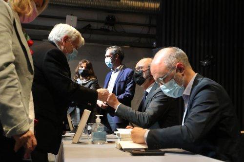 Bordeaux : Édouard Philippe et Gilles Boyer font le plein chez Mollat