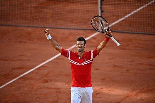 Vidéo. Roland-Garros : il reçoit la raquette de Novak Djokovic, l'immense joie d'un jeune supporter