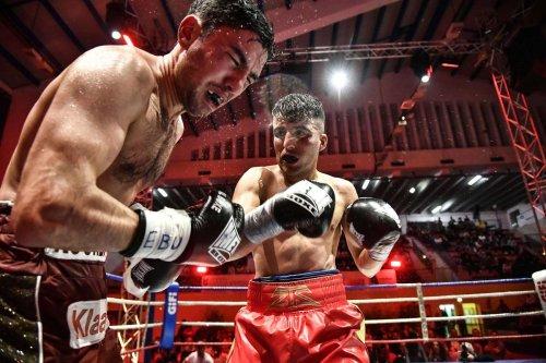 Boxe anglaise : Le Villeneuvois Samir Ziani abandonne sa ceinture européenne et s'attaque au titre mondial