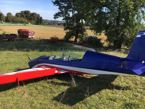 Gers : comme dans un film, un pilote de voltige se pose dans un champ après une panne moteur