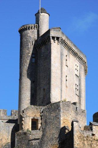 Saint-Front-sur-Lémance : Vacances actives et ludiques à Bonaguil