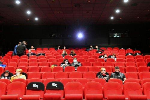 Réouverture des cinémas : vers un échelonnement des sorties de films à la reprise ?