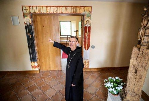 Du monastère à l'abbaye : la longue marche de la communauté de Sainte-Marie-de-la-Garde (47)
