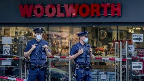 Ermittlungen nach Messerangriff:Würzburger Attentäter soll in Psychiatrie verlegt werden