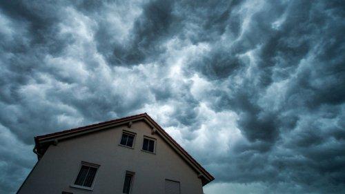 Wetterprognose:Gewitterfront erreicht Bayern - DWD warnt vor Unwetter