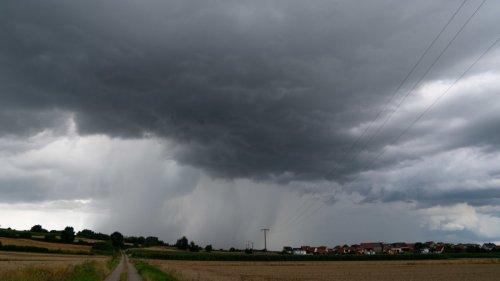 Überschwemmungen:Wetterdienst warnt vor weiteren Unwettern in Bayern - Sturzfluten möglich