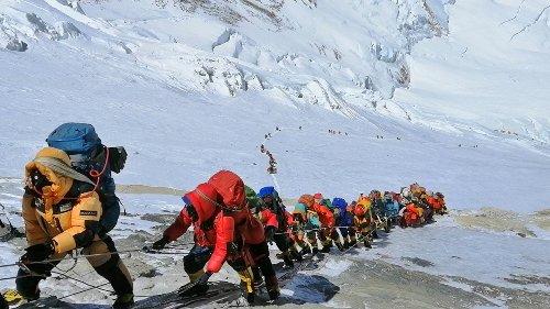 Mount Everest: Nepal am Gipfel der Pandemie