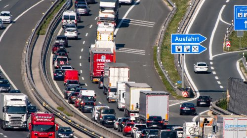 Autobahn:Wie breit soll die A8 werden?