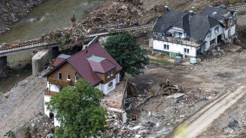 Nach dem Hochwasser:Zum Wählen in den Pavillon