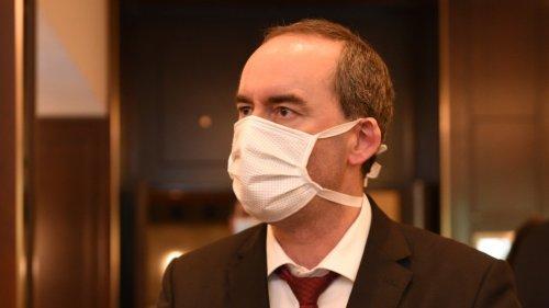 Maskendeals mit dem Freistaat:Mail an Aiwanger könnte Unternehmer entlasten