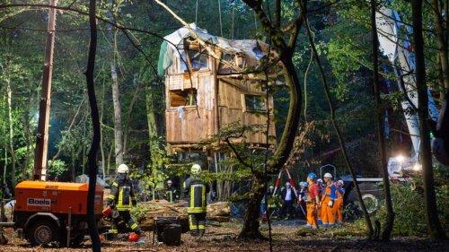 Umweltproteste:Räumung von Baumhäusern im Hambacher Forst war rechtswidrig