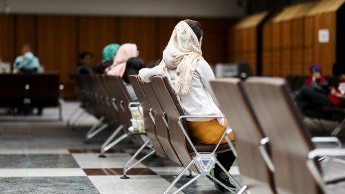 Asylbewerber:Berliner Flüchtlingsamt stößt an Grenzen