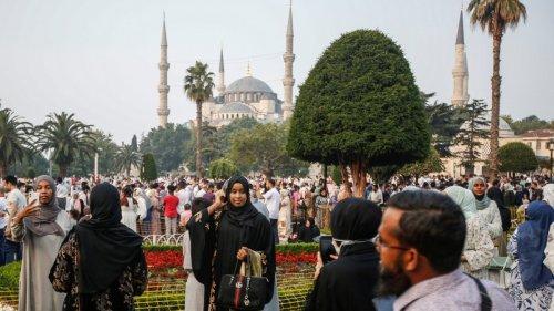 Hagia Sophia in Istanbul:Krummsäbel auf der Kanzel