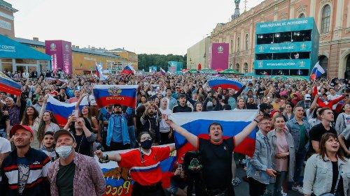 Sankt Petersburg:Scharfe Regeln in den Weißen Nächten