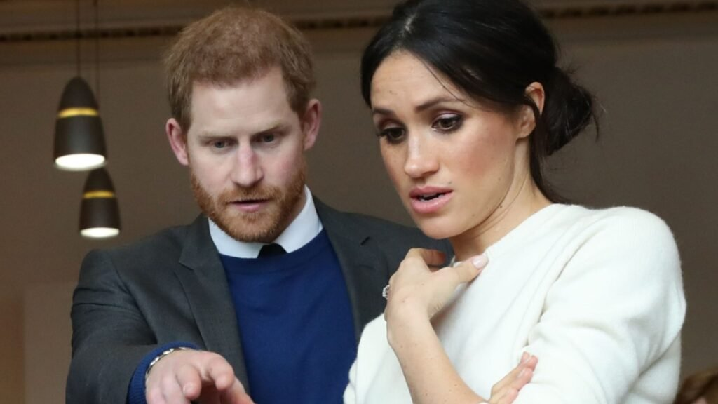 Meghan Markle, Prince Harry Were 'Furious' Over Personal Photos In The Press