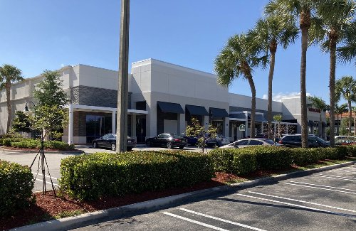 Barnes & Noble returning to Coral Springs with smaller format store
