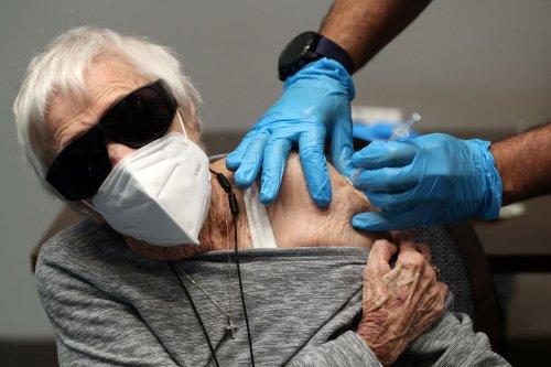 Hospitalizations plunge among Florida seniors, as COVID immunity takes hold