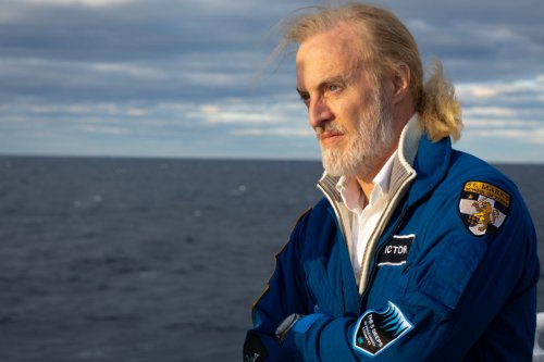 Meet the 1st Man to Pilot a Sub to the Bottom of All 5 Oceans