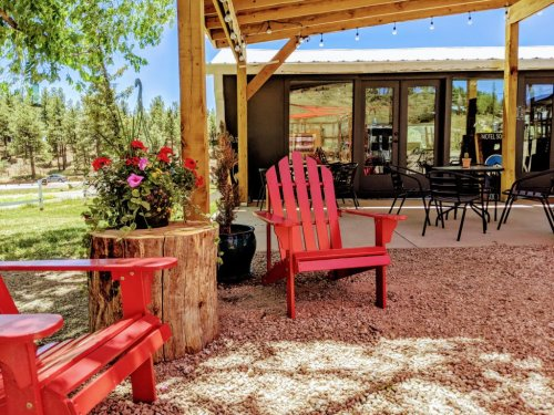 Why You Should Book a Colorado Motel This Summer (Safety Is Only One of the Reasons.) - Sunset Magazine