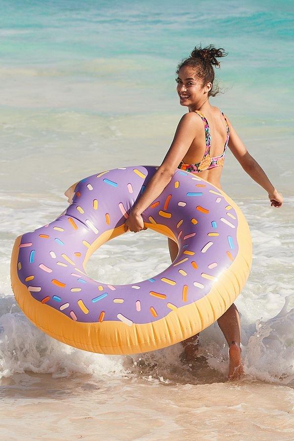 Cool Pool Floats for Endless Summer Splashing