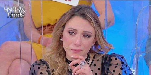 Uomini e Donne, la storia tra Luca e Elisabetta è ufficialmente finita | Video Witty Tv