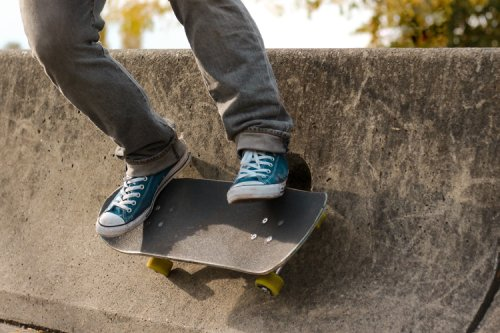 How to wallride on a skateboard