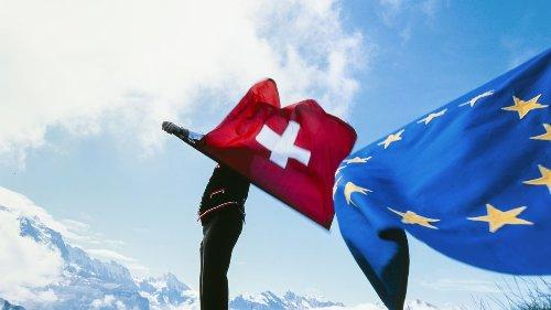 """الاتفاقية الإطارية: النسخة السويسرية من """"البَقاء أو المُغادرة"""""""
