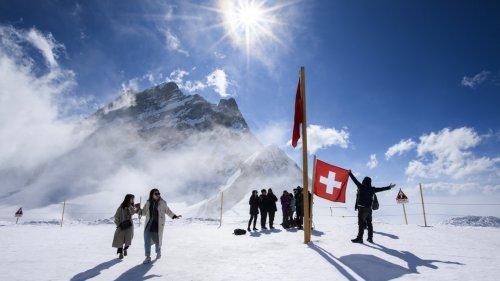 Travel destinations seek tourists, but not the crowds