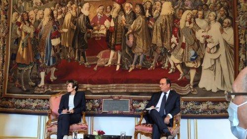 François Hollande s'oppose à la neutralité européenne de Micheline Calmy-Rey
