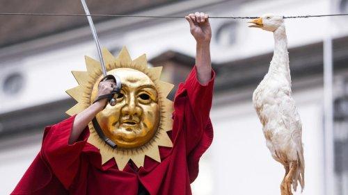 Пять безумных праздничных традиций в Швейцарии