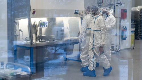 Lonza to create 1,200 new jobs at vaccine-production site