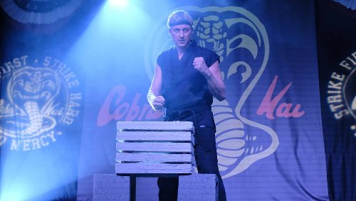 Cobra Kai's Johnny Lawrence dresses like a total badass, but that doesn't just happen