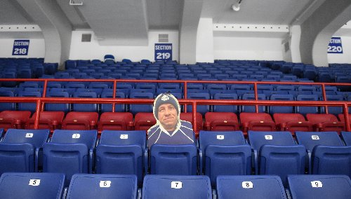 Axe: Miss seeing Syracuse Crunch games in-person? Ben Groulx says they miss you more