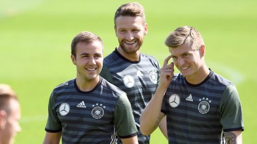 """Ehemalige Nationalspieler - Götze verteidigt Kroos: """"Vergessen wir nicht all die Titel"""""""
