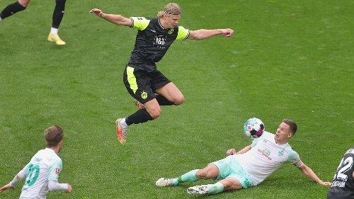 Traumtor, Elfer, Slapstick-Einlage: BVB dreht Partie gegen Werder