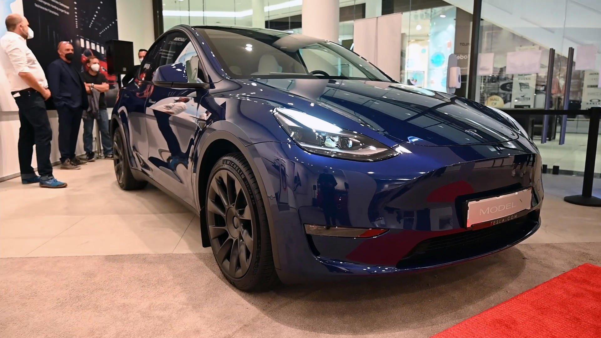 Tesla gibt Auslieferungstermin für Model Y bekannt