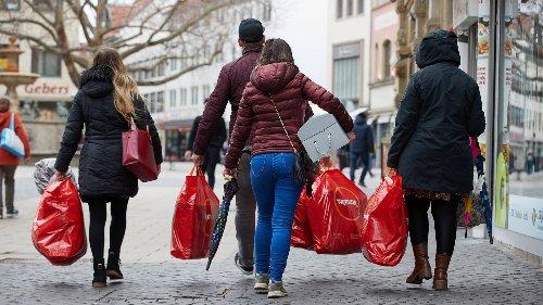 Wirtschaftsweise befürwortet Einkaufsgutscheine für alle Bürger