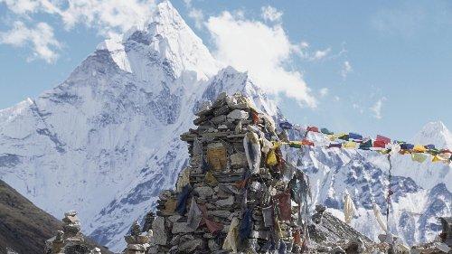 Zwei Bergsteiger sterben am Mount Everest
