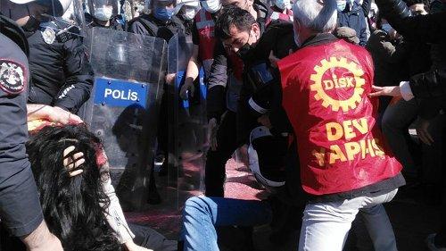 Kadıköy'deki 1 Mayıs çağrısına polis müdahalesi