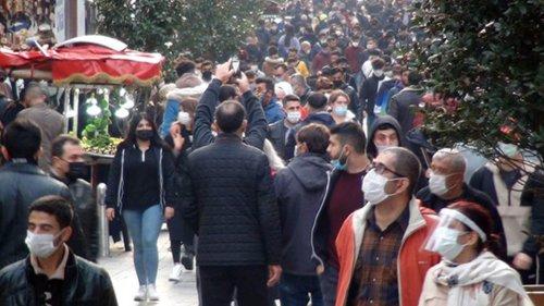 Türk Tabipleri Birliği'nden 17 Mayıs sonrası için uyarı: Normalleşmek için vaka sayısı binin altına düşmeli, toplumun yüzde 60'ı aşılanmalı