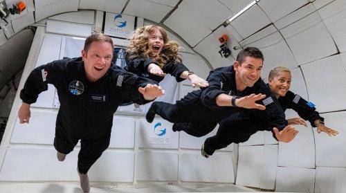 SpaceX-Mission: Elon Musk zeigt Jeff Bezos und Richard Branson, was Weltraum-Tourismus ist