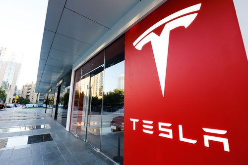 Tesla macht erstmals über 1 Milliarde Dollar Quartalsgewinn