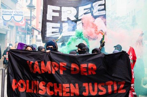 Proteste gegen Haftstrafe von Waldbesetzerin aus dem Dannenröder Forst