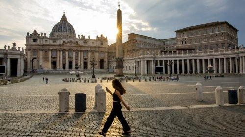 Vatikan bekämpft Anti-Homophobie-Gesetz