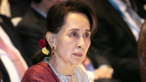 """""""Myanmar versinkt in der Finsternis"""""""