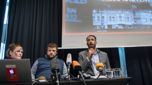 Künstler bekennen sich zu Anti-AfD-Aktion