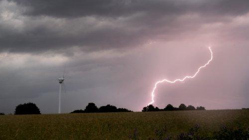 Unwetterfront zieht über Deutschland